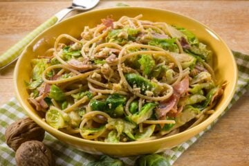 Ricetta Spaghetti Con Cavoletti Di Bruxelles E Guanciale