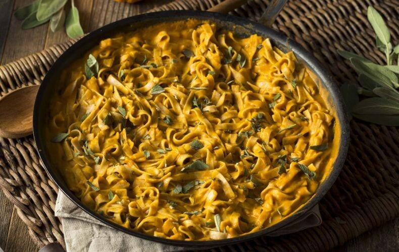 Ricetta Tagliatelle Cremose Alla Zucca E Salvia