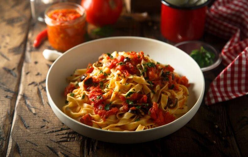 Ricetta Tagliatelle Pomodoro E Olive