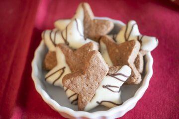 Biscotti Pasta Frolla Cacao Nocciole Stella Natale