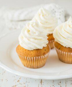 Ricetta Crema Burro Frosting Cupcake