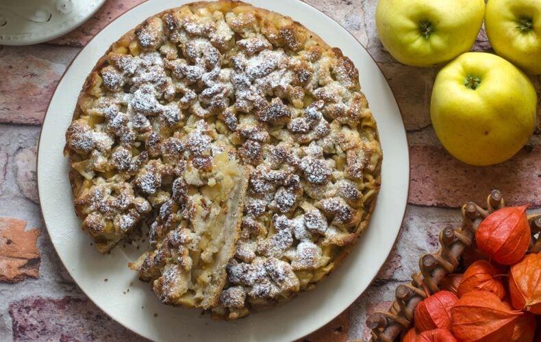 Torta Mele Crumble Fetta