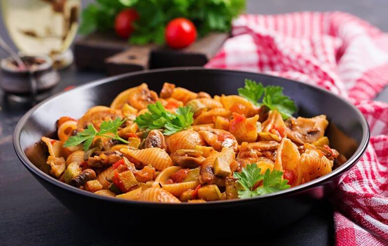 Ricetta Conchiglie Pomodoro Funghi E Zucchine