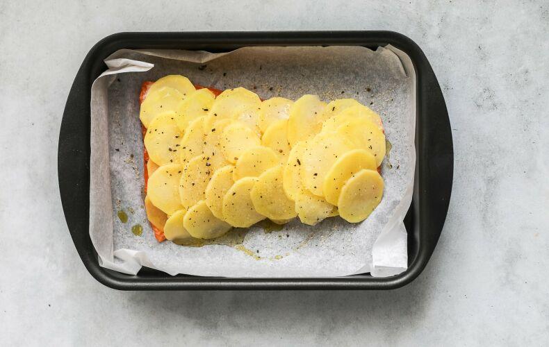 Ricetta Salmone In Crosta Di Patate Step 7