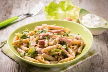 Ricetta Pasta Pancetta Lattuga Mascarpone
