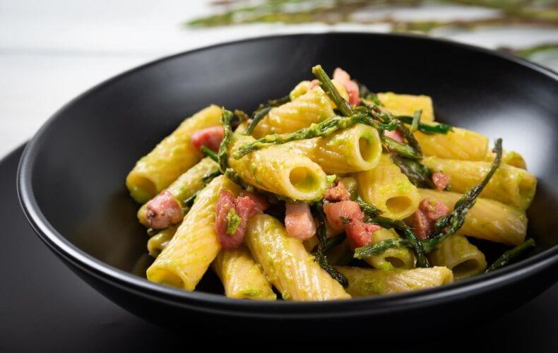 Ricetta Rigatoni Cremosi Con Asparagi E Guanciale