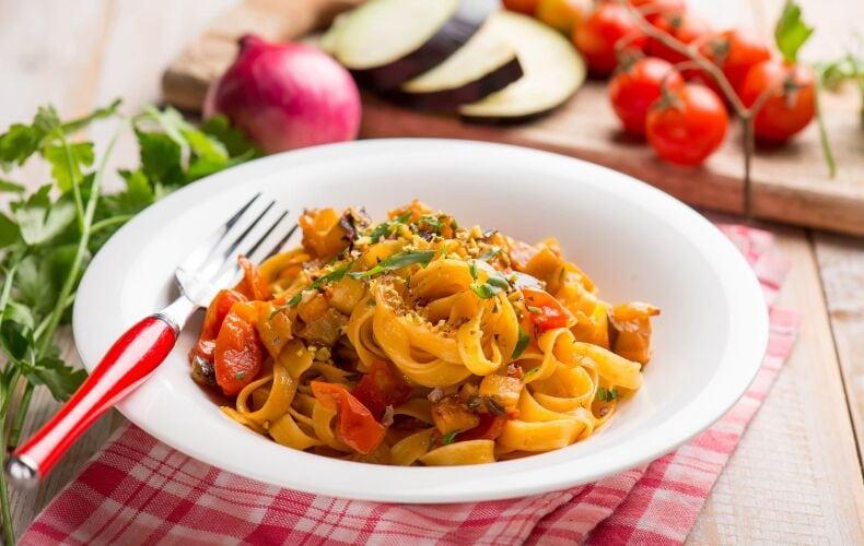 Ricetta Tagliatelle Melanzane E Pomodorini
