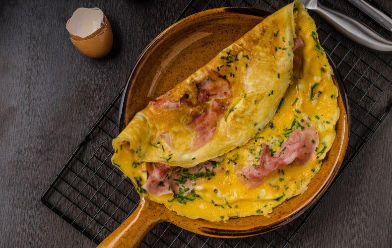 Ricetta Omelette Prosciutto Formaggio
