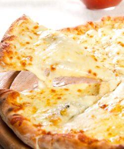 Ricetta Pizza Ai Quattro Formaggi Fatta In Casa