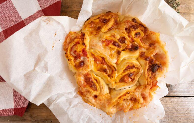 Ricetta Torta Di Rose Salata Di Pizza 1