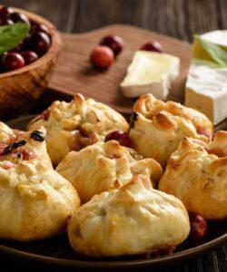 Ricetta Fagottini Di Pasta Sfoglia Al Formaggio E Mirtilli