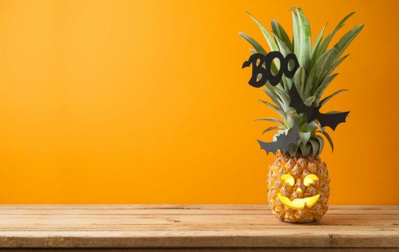 Ananas Intagliato Per Halloween