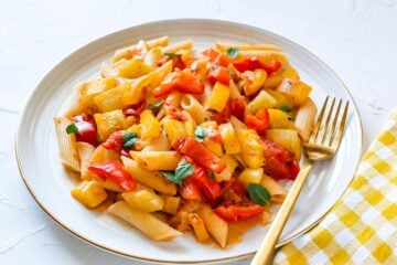 Ricetta Pasta Alle Zucchine E Peperoni