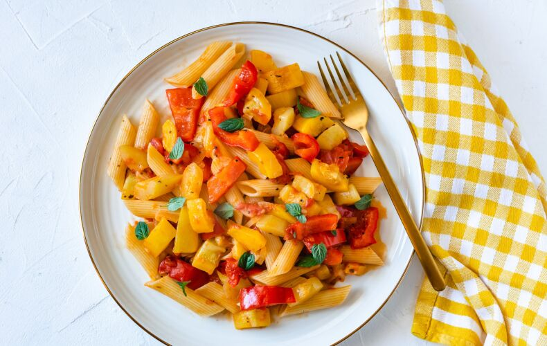 Ricetta Pasta Zucchine E Peperoni