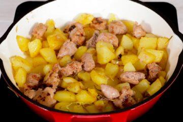 Ricetta Salsiccia E Patate Preparazione 12