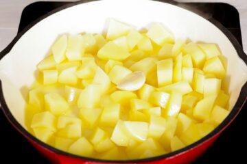 Ricetta Salsiccia E Patate Preparazione 7