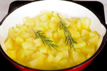 Ricetta Salsiccia E Patate Preparazione 8