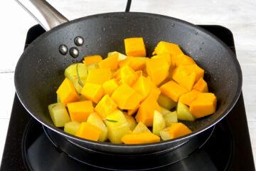 Ricetta Zucca Patate In Padella Procedimento 3