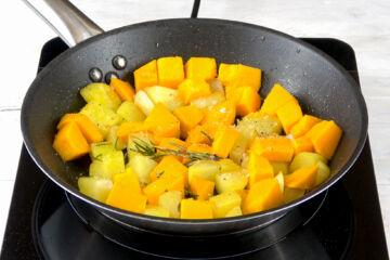 Ricetta Zucca Patate In Padella Procedimento 4