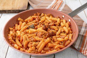 Ricetta Pasta Al Sugo Salsiccia E Funghi