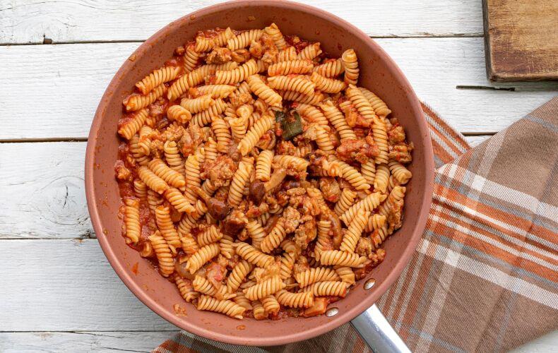 Ricetta Pasta Sugo Salsiccia E Funghi