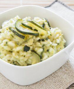 Ricetta Risotto Vegano Alle Zucchine Al Profumo Di Limone