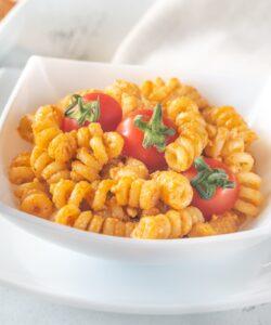 Ricetta Pasta Con Pesto Di Pomodori Secchi E Ricotta
