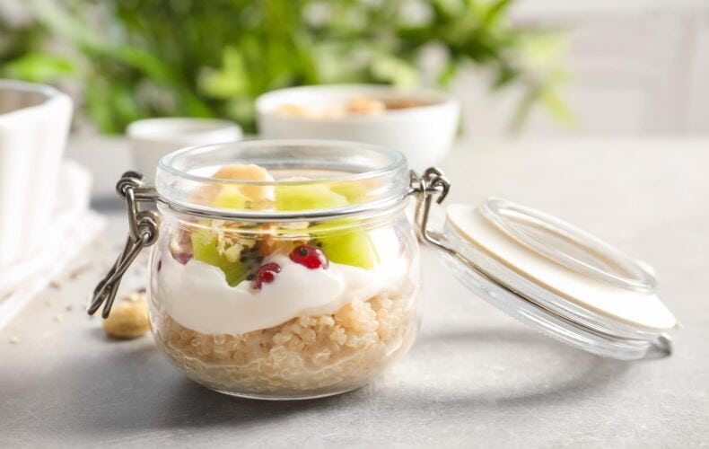 Ricetta Quinoa Con Crema Vegana Cocco E Frutta