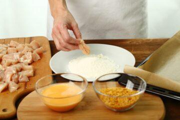 Ricetta Nuggets Di Pollo Ai Corn Flakes Al Forno 3
