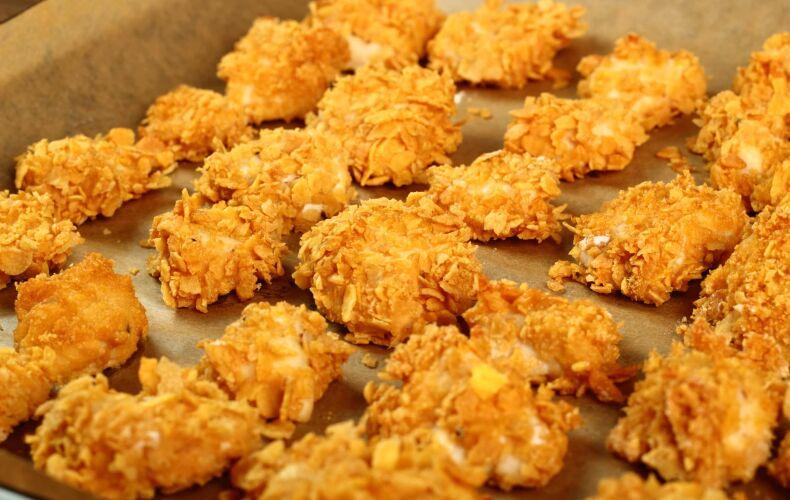 Ricetta Nuggets Di Pollo Ai Corn Flakes Al Forno 7