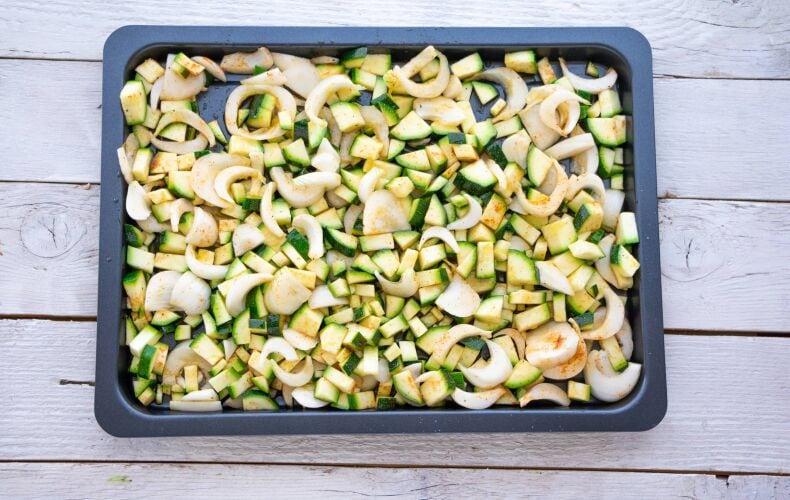 Ricetta Zucchine Cipolle Al Forno 5