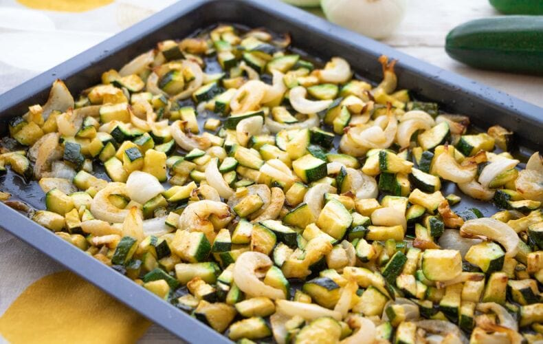 Ricetta Zucchine E Cipolle Al Forno 1