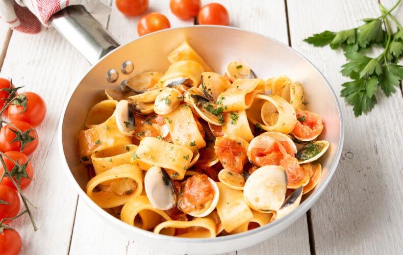 Ricetta Calamarata Con Le Vongole 35