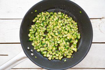 Ricetta Pasta Zucchine Robiola 2