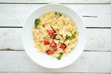 Ricetta Pasta Estiva Pomodorini E Basilico Step 4