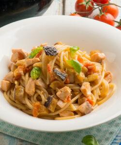 Ricetta Spaghetti Salmone Melanzane E Pomodorini 2