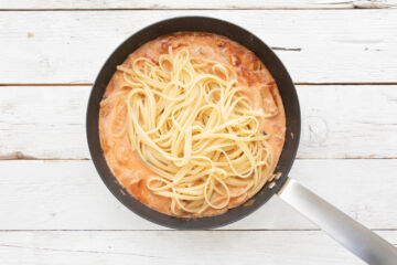 Ricetta Linguine Cremose Funghi E Pomodoro Preparazione 6