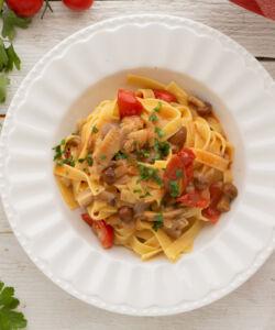 Ricetta Pasta Con Funghi E Pomodorini